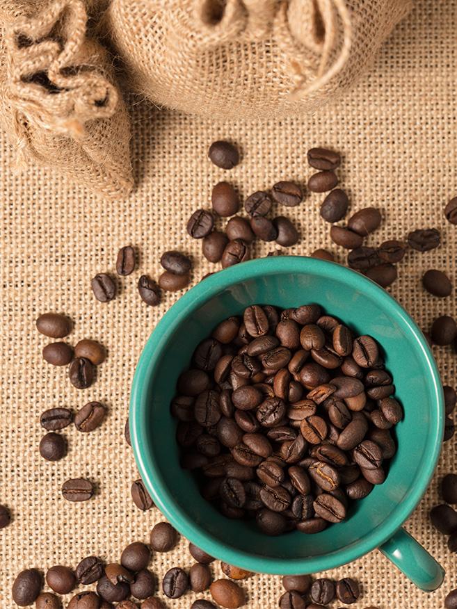chicchi caffe in tazzina